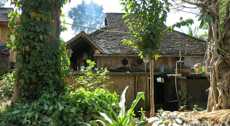 Уютный уголок в одной из деревень уезда Мэнхай